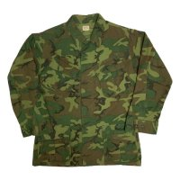 1968's U.S.ARMY VIETNAM JUNGLE FATIGUE JACKET CAMO. M-R